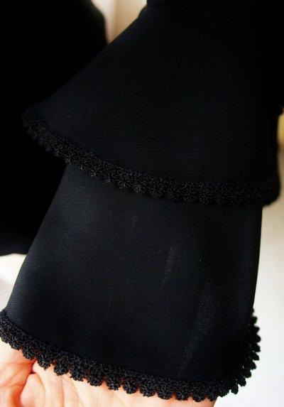 画像1: 《即納品》袖フリルにレース飾りつき、フリル2段、ブラック