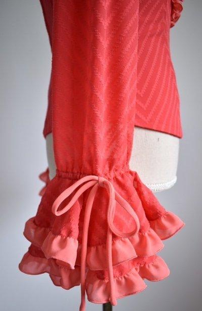 画像2: ¥ご奉仕価格設定中《即納品》織模様入り生地で作ったふりふりブラウス、オレンジ